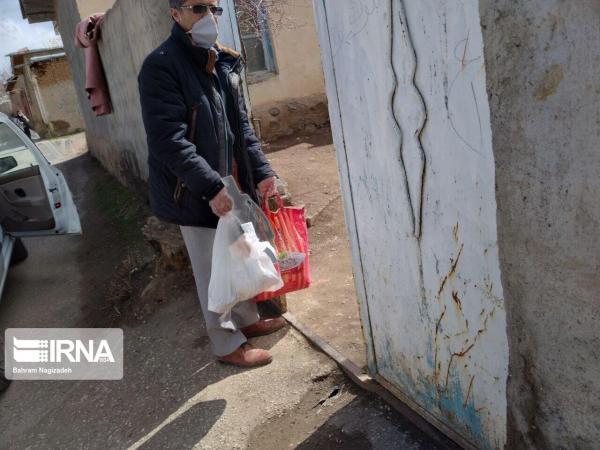 خبرنگاران خیر نایینی یک میلیارد تومان مواد غذایی بین نیازمندان توزیع کرد
