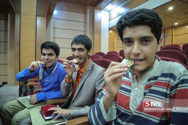 درخشش دانشجویان علوم پزشکی ارومیه در المپیاد علمی دانشجویی وزارت بهداشت
